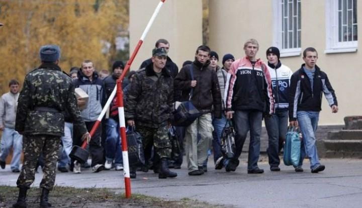 Путин предложил увеличить время пребывания украинцев призывного возраста на территории РФ