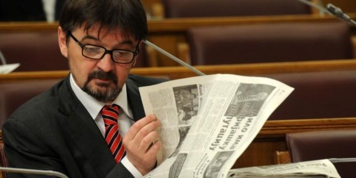 Черногория резко отреагировала на депортацию из России своего депутата