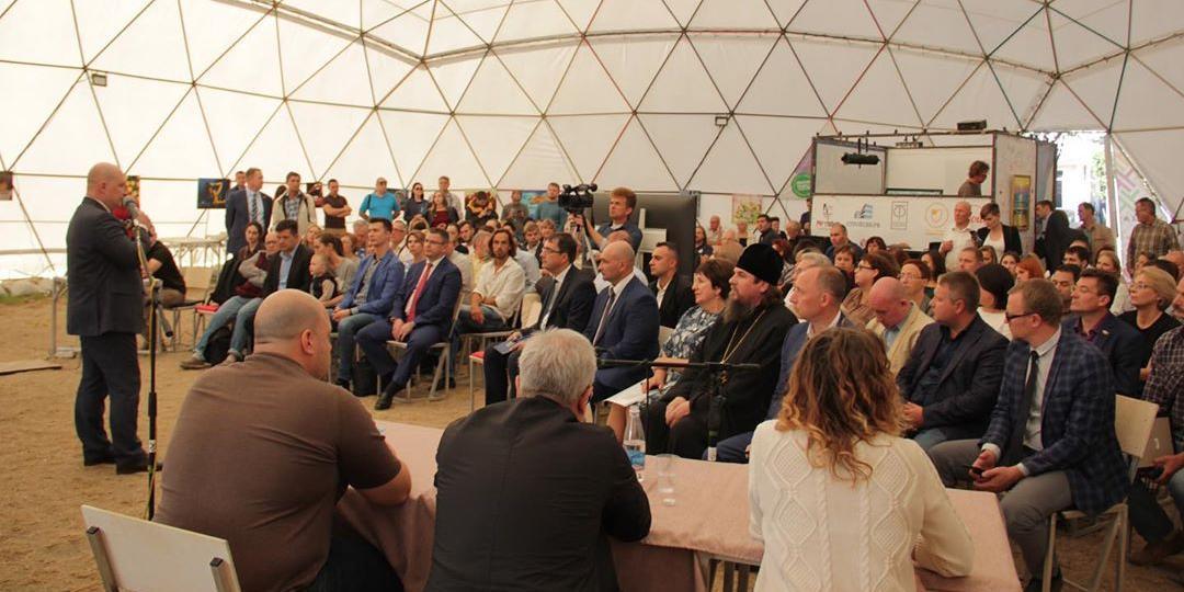 Новый стиль управления: врио главы Севастополя привлек жителей к городским проектам