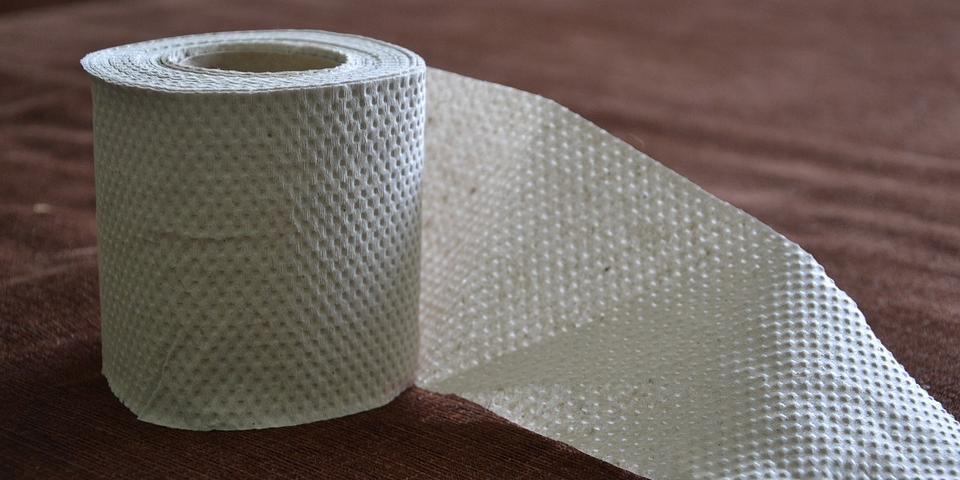Абэ призвал японцев прекратить скупать туалетную бумагу в магазинах