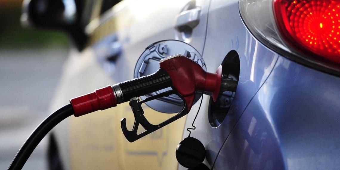 ФАС попросила владельцев АЗС объяснить причины роста цен на топливо