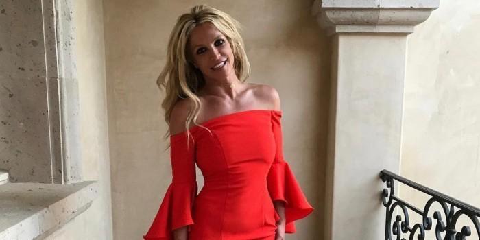 Бритни Спирс показала зарядку, которая позволяет ей сохранять идеальную фигуру