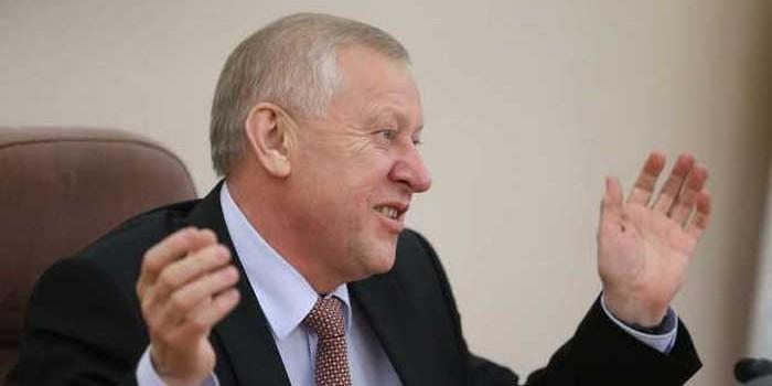 Мэр Тефтелев начал борьбу с челябинской шаурмой