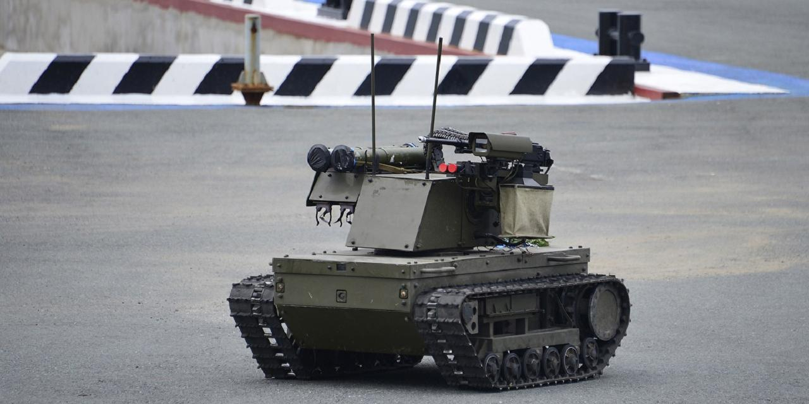 """На учениях """"Запад-2021"""" впервые применили боевые роботы """"Платформа-М"""""""