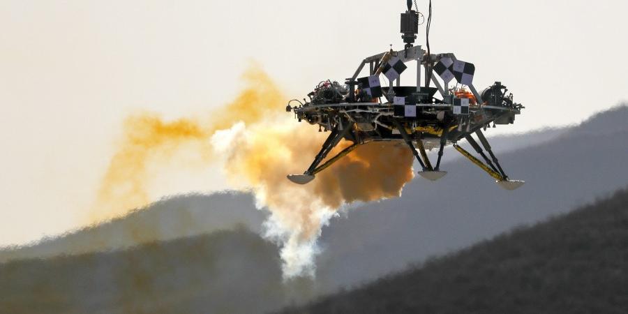 Китай впервые посадил космический аппарат на поверхности Марса