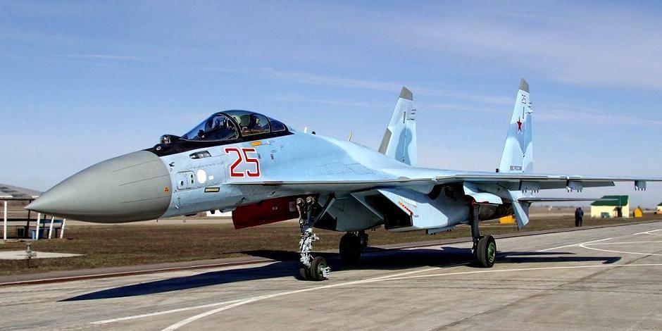 В Минобороны рассказали о бегстве американского F-22 от Су-35С