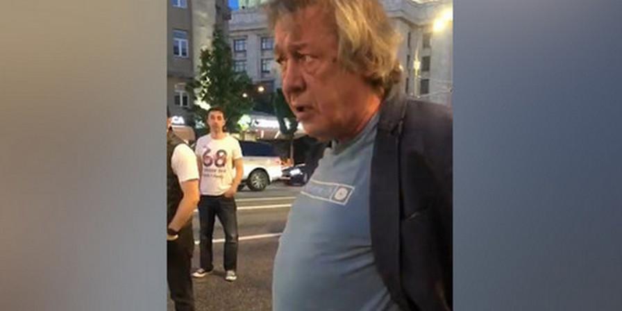 """""""Я его вылечу, у меня денег дофига!"""": Ефремов обещал поставить на ноги пострадавшего в аварии"""