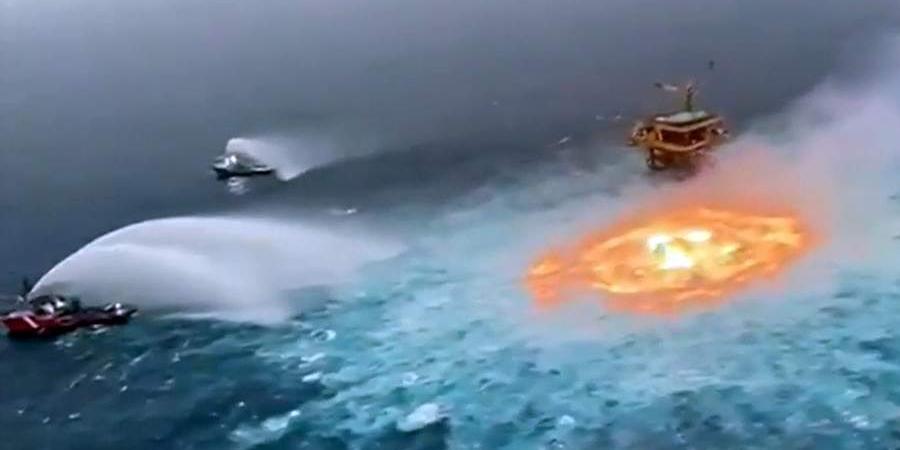Подводный пожар на трубопроводе в Мексиканском заливе сняли на видео
