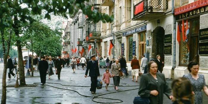 Опубликованы уникальные кадры СССР 50-х, сделанные американским дипломатом