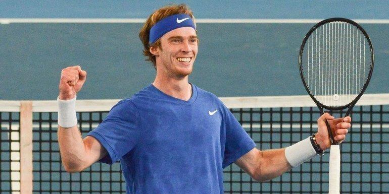 Россиянин Андрей Рублев выиграл второй теннисный турнир подряд