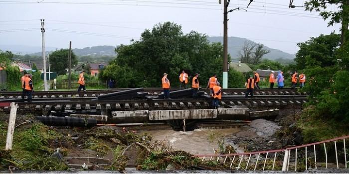Размытый Транссиб, изоляция районов: в Приморье введен режим ЧС из-за паводка