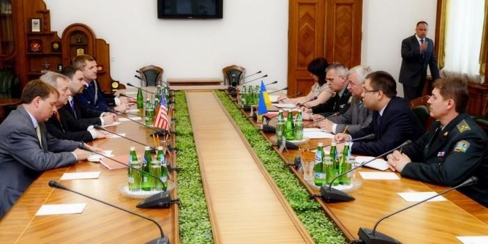 США помогут Украине психологически реабилитировать бывших бойцов АТО