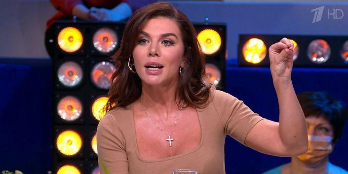 Обидевшаяся Седокова со скандалом покинула шоу Галкина после сюжета о ее многочисленных браках