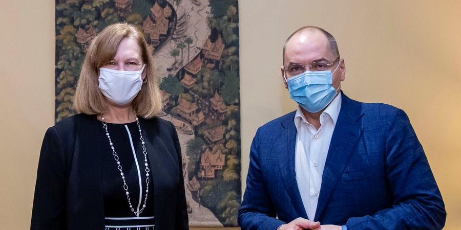 Украина передумала покупать российскую вакцину от COVID-19 после встречи в посольстве США
