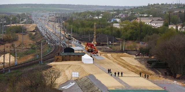 Военнослужащий погиб при строительстве железной дороги в обход Украины