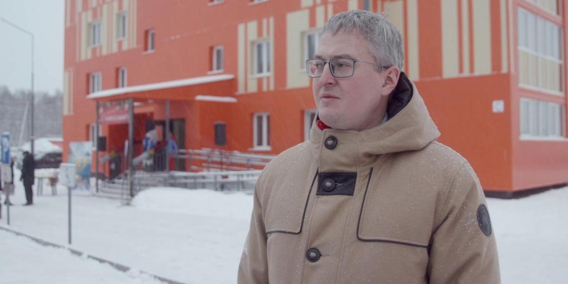 Владимир Солодов вручил ключи от новых квартир жителям Елизова и Петропавловска-Камчатского