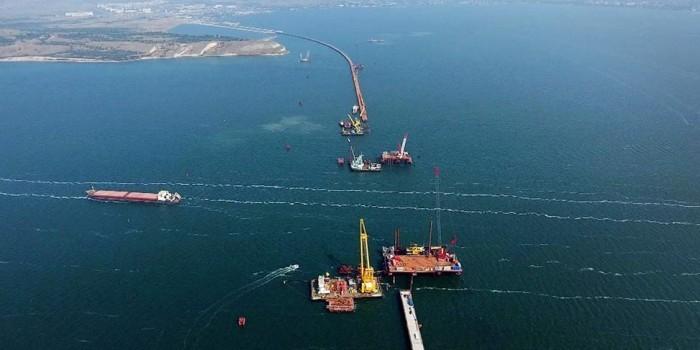 Минтранспорта ввело ограничения на полеты над Крымским мостом