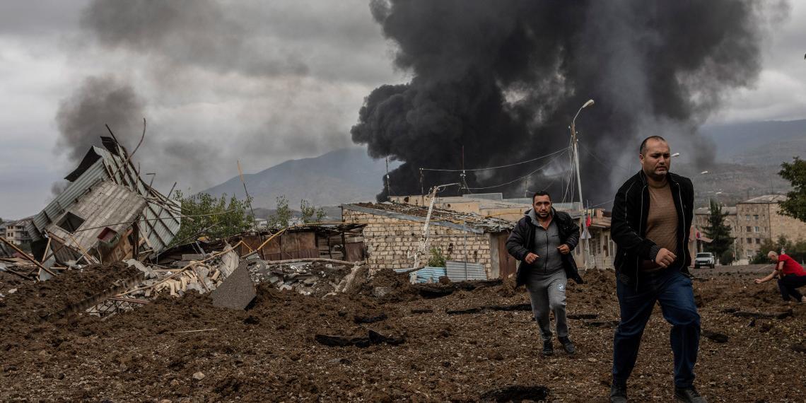 """""""Коммерсант"""": обострение конфликта вокруг Нагорного Карабаха могла спланировать Турция"""