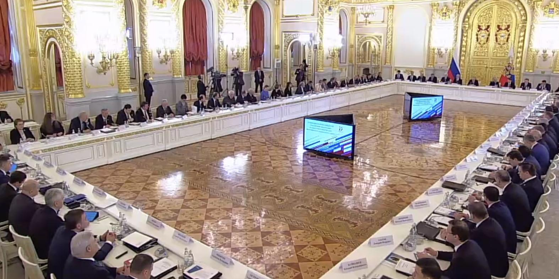 Путин выступил против распределения выпускников вузов и пообещал увеличение бюджетных мест
