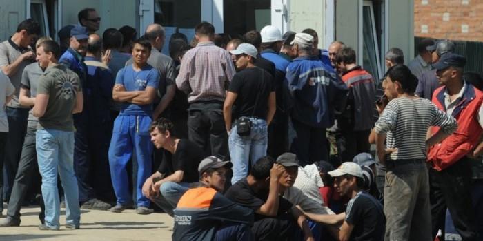 Жительница Уссурийска прописала у себя 900 мигрантов