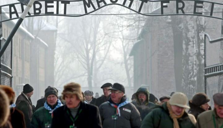 Rzeczpospolita: Польша возмущена тем, что чехи пригласили Путина на годовщину освобождения Освенцима