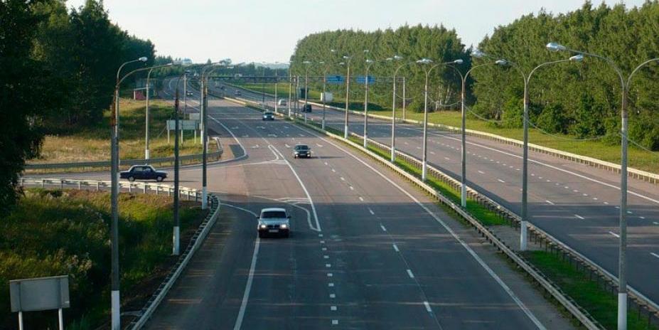 Автоледи на Mercedes избежала наказания после наезда на сотрудника ГИБДД