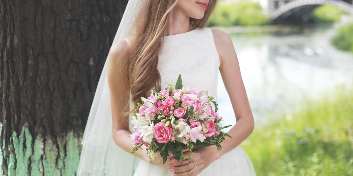 """Невесты в России """"постарели"""" на 8 лет"""