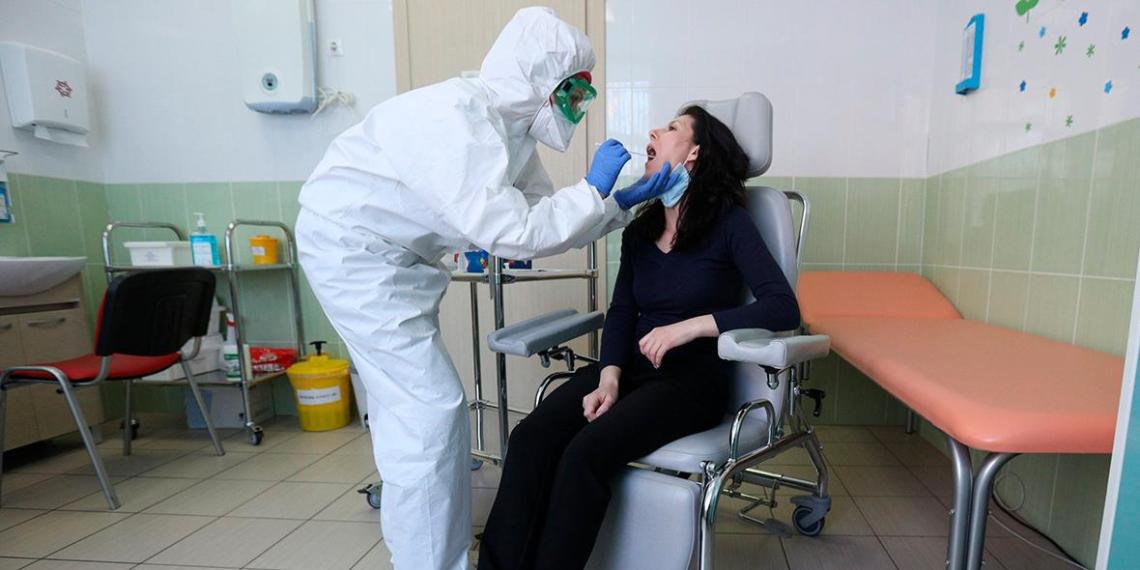 Инфекционист предупредил о стремительном ухудшении состояния пациентов с COVID-19