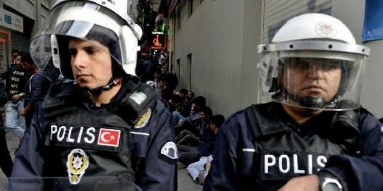 В Турции нетрезвые россиянки избили тапками медсестру