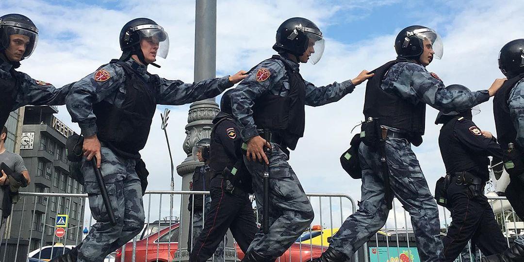 Адвокат поддержал действия правоохранителей в отношении участников незаконных акций