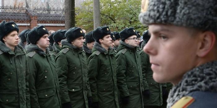 СМИ сообщили о планах Госдумы отменить испытательный срок для солдат-контрактников