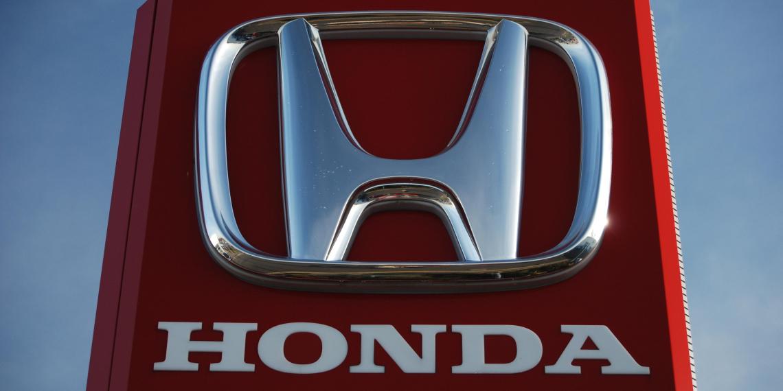 Honda прекращает продажи автомобилей в России