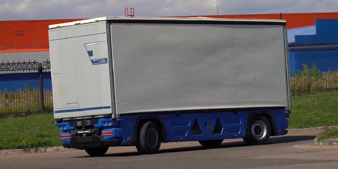 Беспилотные грузовики смогут проехать от Петербурга до Китая
