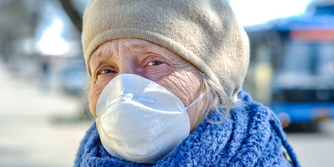 Дети и пенсионеры стали в 2 раза реже заражаться коронавирусом в Москве