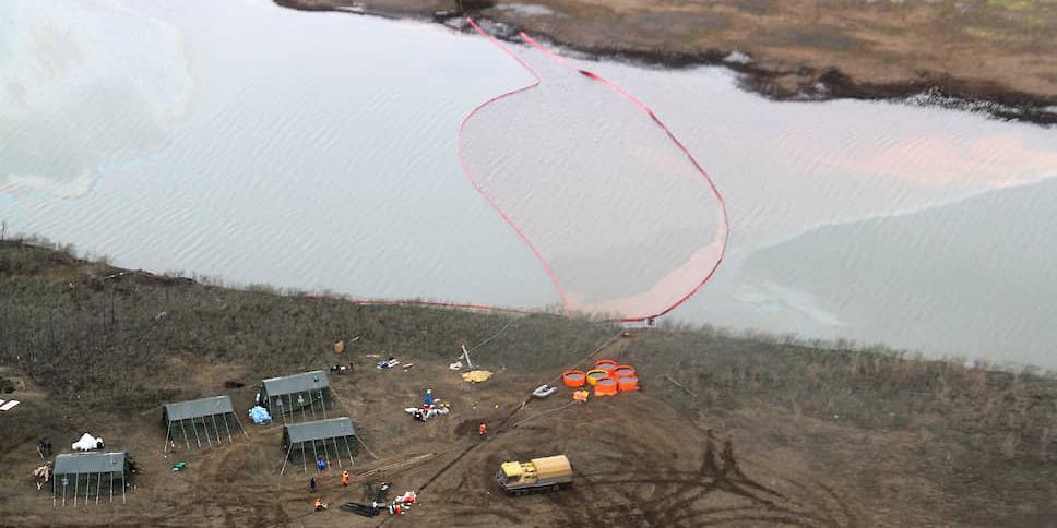 Экологам и журналистам не дали вывезти из Норильска пробы загрязненной воды