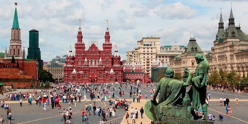Москва начнет компенсировать иностранцам часть стоимости турпутевки в Россию