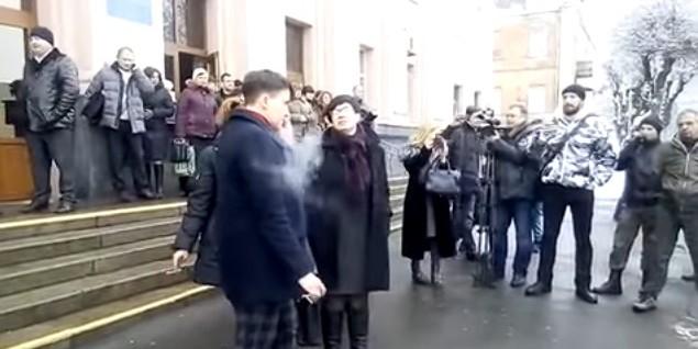 Савченко не пустили на военный завод, заподозрив в краже секретов для России