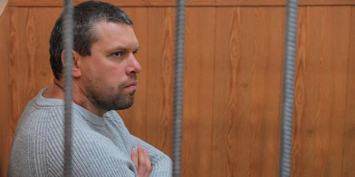 Следствие попросило отпустить полицейского, подбросившего наркотики Голунову