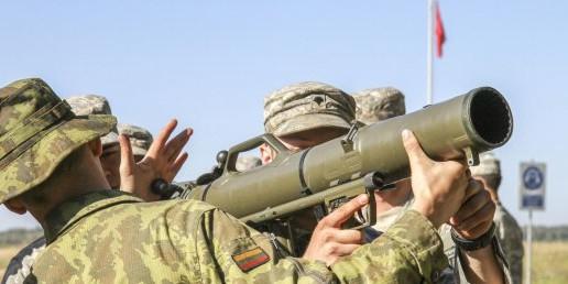 В Литве во время международных учений тяжело ранены двое военных