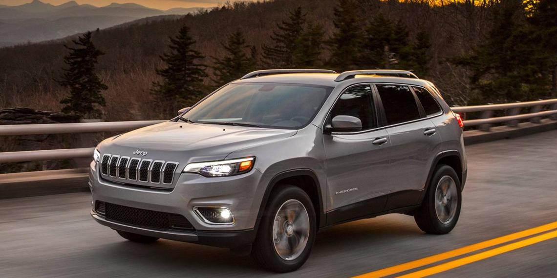 Индейский вождь призвал Jeep отказаться от легендарного бренда Cherokee
