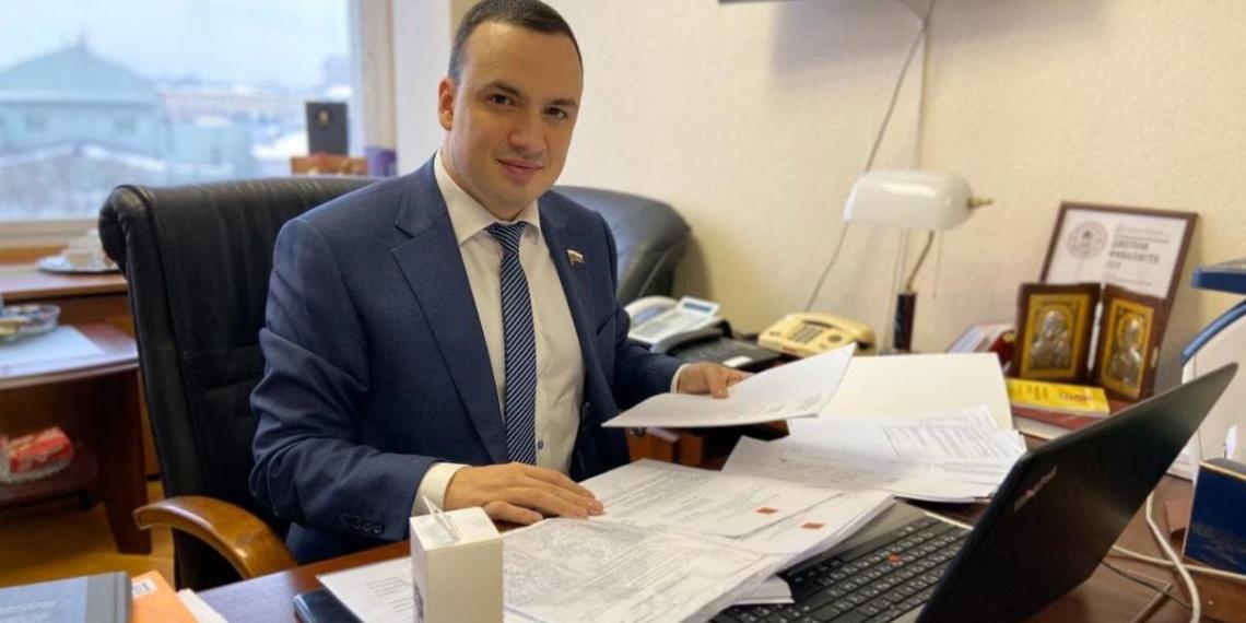 СМИ: стрелявший из автомата во дворе экс-депутат Госдумы станет министром экономики Свердловской области