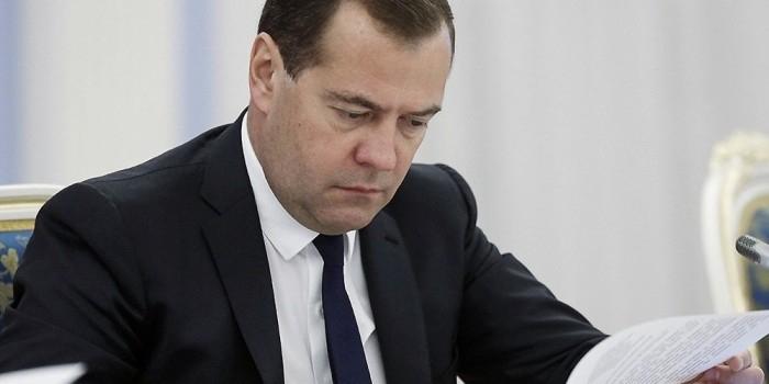 Медведев: размер январской выплаты будет выше обычной индексации пенсий