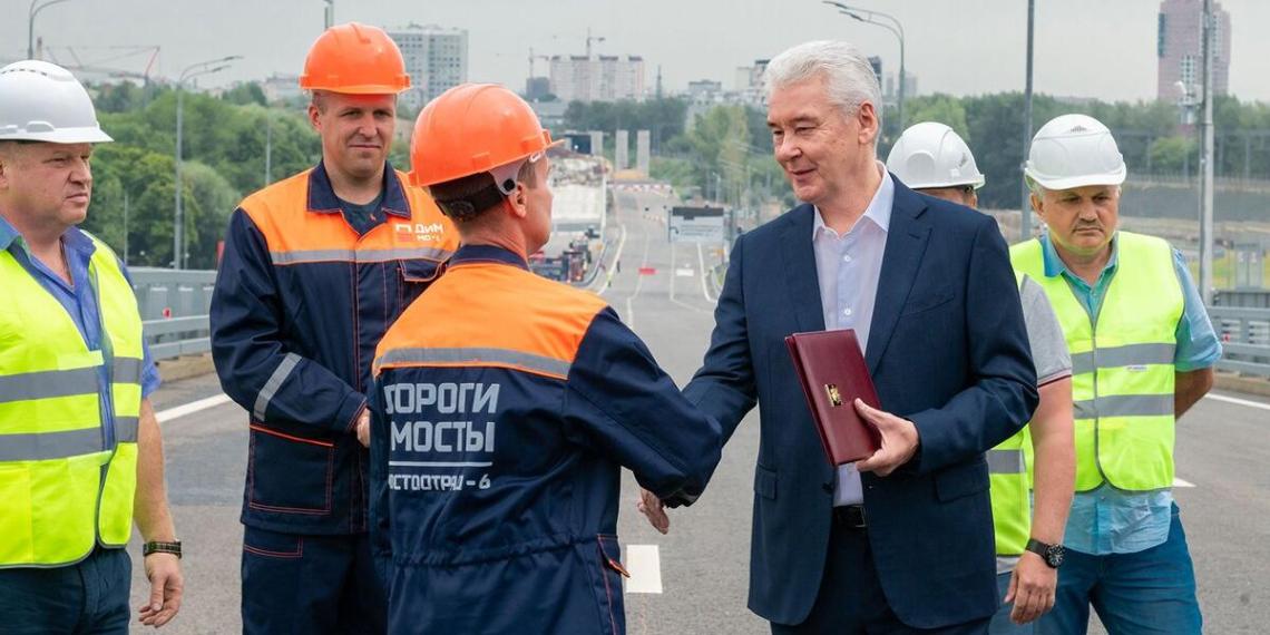 Сергей Собянин открыл путепровод на участке Юго-Восточной хорды