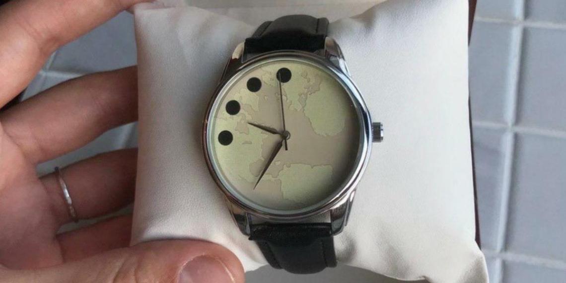 Путину презентовали первый экземпляр дизайнерских Часов Мира
