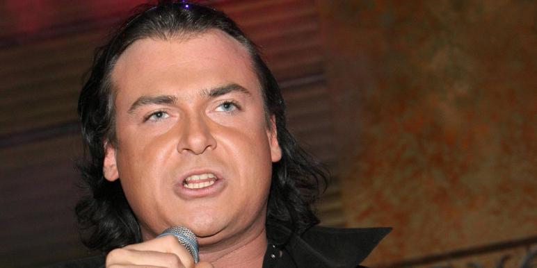 СМИ: певца Юлиана госпитализировали из-за проблем с сердцем