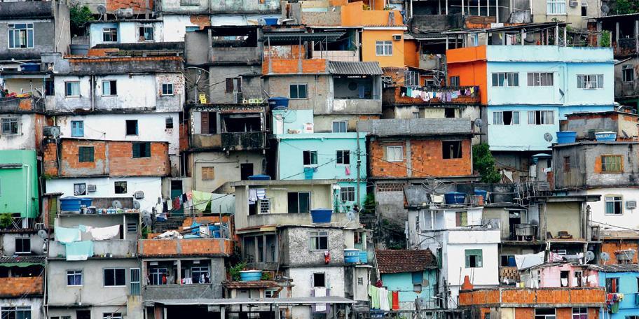 Минздрав Бразилии посоветовал местным чиновникам договариваться о карантине с мафией