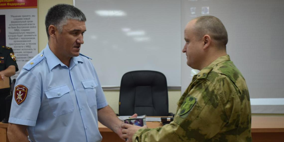 Росгвардейцев наградили за ликвидацию последствии паводка в Иркутской области