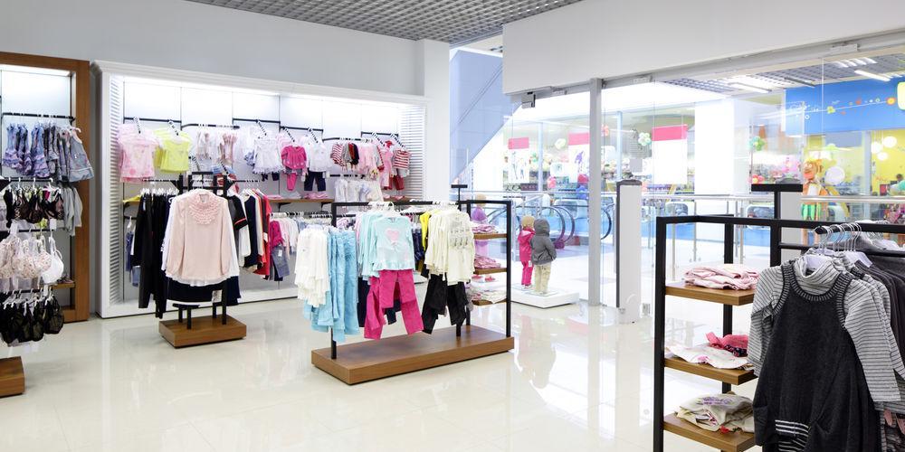 Россиянам предрекли повышение цен на одежду и обувь на 15-20%
