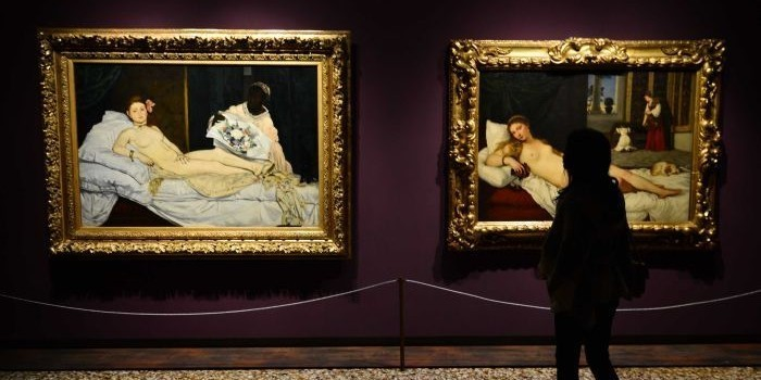 Художница разделась в музее перед картиной Мане