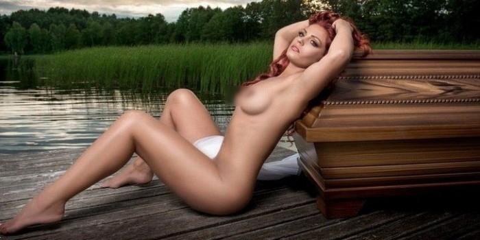 Белорусские гробы прорекламировали эротическим календарем